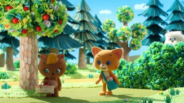 新キャラクター「くまのミミちゃん」(左)とこまちゃん(右)