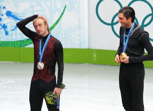 フィギュア男子で銀メダルに終わったプルシェンコ(ロシア)。右は金メダルのライサチェク(米国