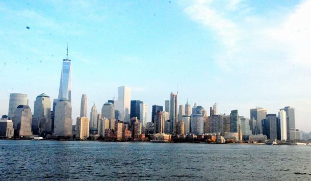 ジャージーシティーから眺めるマンハッタンの高層ビル街