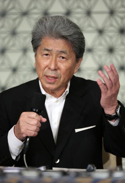 東京都知事選への出馬会見をする鳥越俊太郎氏