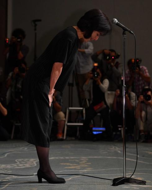 写真・図版 : 高畑裕太容疑者の母親・高畑淳子さんの謝罪会見も話題に=2016年8月26日、東京都千代田区