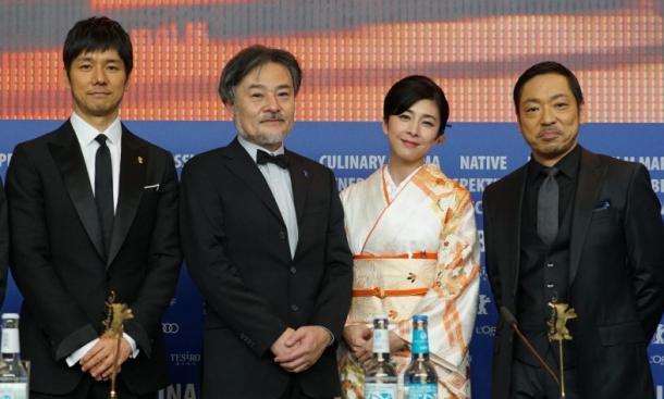 香川照之さん、竹内結子さん、黒沢清監督、西島秀俊さん、深沢宏プロデューサー=ベルリン