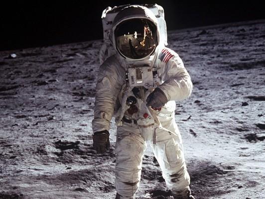 月の商業利用の可能性を考える