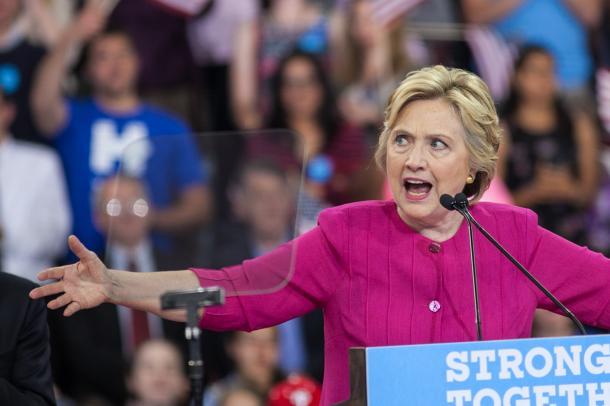 ペンシルベニア州で演説するヒラリー・クリントン氏=ランハム裕子撮影
