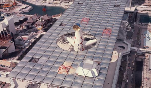 大屋根と太陽の塔