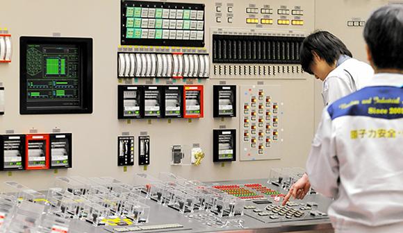 写真・図版:もんじゅ廃炉と核燃サイクルの欺瞞