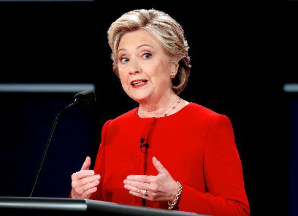 テレビ討論会に臨むヒラリー・クリントン氏=ロイター