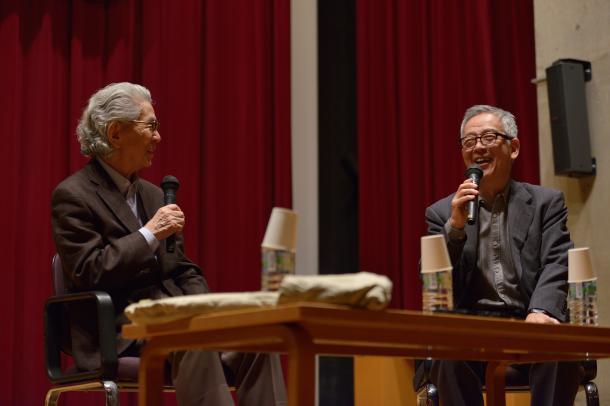写真・図版 : 五木寛之さん(左)と島薗進さん