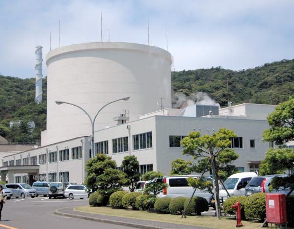 写真・図版 : 福井県敦賀市にある新型転換炉「ふげん」では廃炉作業が進められている