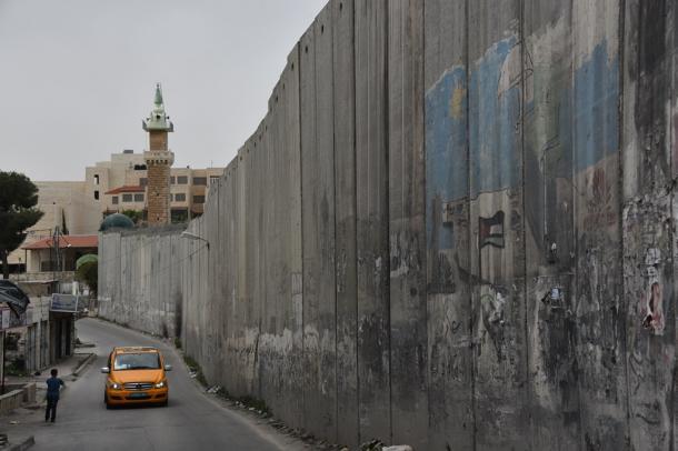 [3]イスラエル重視で、和平仲介を放棄するのか
