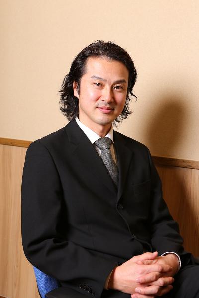 写真・図版 : 『エッグ・スタンド』に出演する笠原浩夫=宮川舞子撮影
