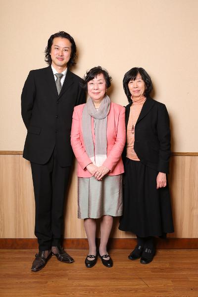 写真・図版 : 左から、笠原浩夫、萩尾望都、倉田淳=宮川舞子撮影