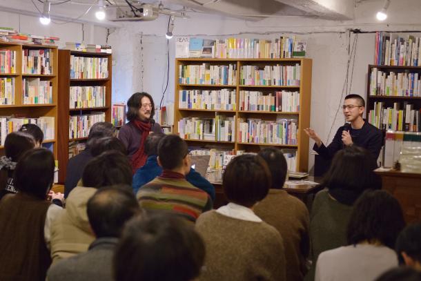 写真・図版 : 新城カズマさん(左)と木村草太さん