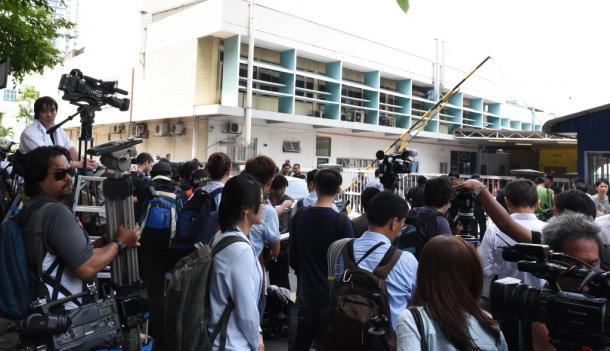 金正男氏の遺体が安置されているクアラルンプールの病院には21日、100人以上の報道陣が詰めかけた