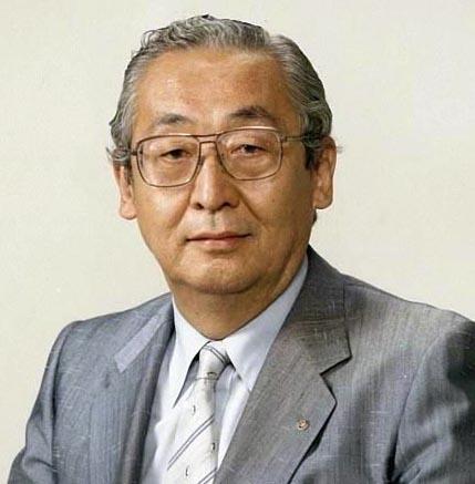 写真・図版 : 山中千代衛・大阪大名誉教授(1986年、退官の際)