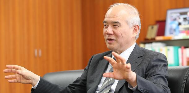 写真・図版 : 日本学術会議会長の大西隆さん