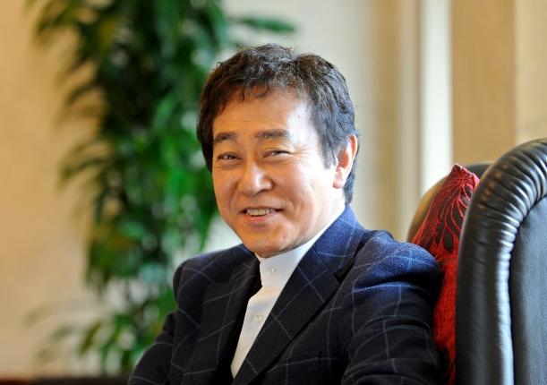 テレビドラマ「おみやさん」に主演していた渡瀬恒彦さん=2011年4月、京都市中京区