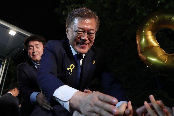 「保守対革新」の対立構図に収斂した韓国大統領選