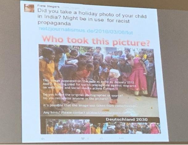 白人の子供がインドの住民に囲まれている写真がどうやって撮影されたかを、シュテガーズ氏はツイッターを通して情報提供を求めた(セッション資料より)