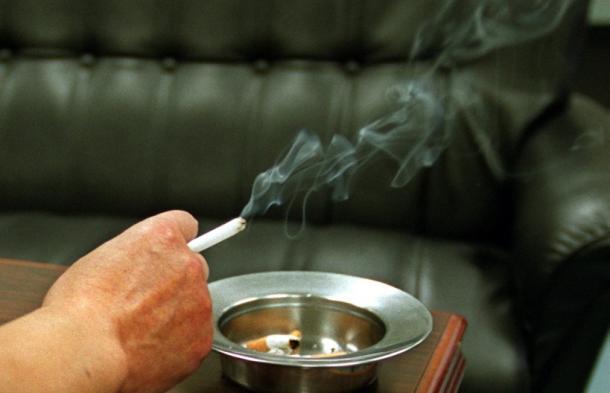 全面禁煙にしない飲食店はいずれ潰れる