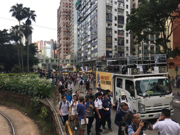 写真・図版 : 一時開放された香港の路上=7月1日、撮影:五野井郁夫