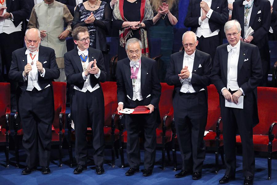 写真・図版 : ノーベル賞は最大級の科学イベントになっている
