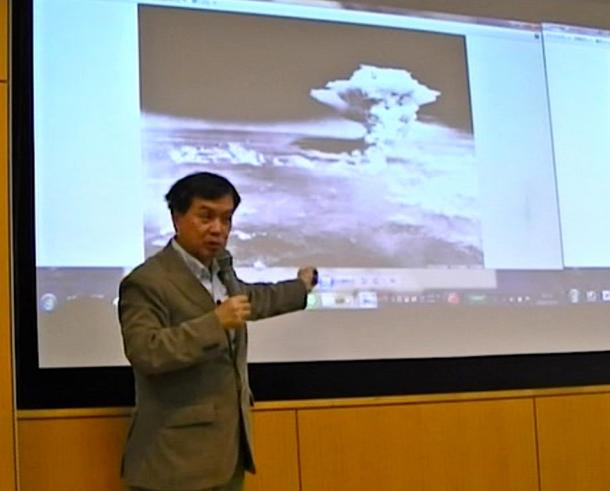 広島原爆のキノコ雲が呉市からはどう見えていたかを語る片渕監督