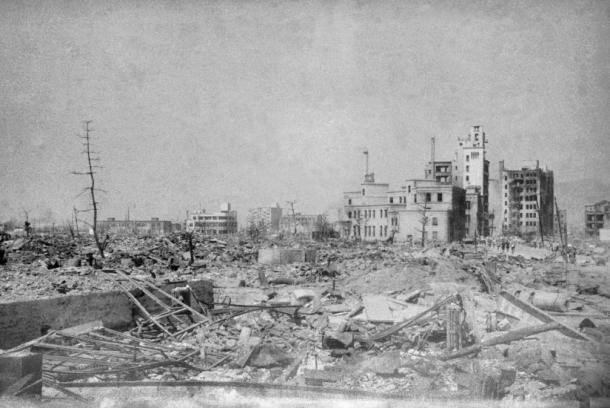 写真・図版 : 1945年8月10日の広島市山口町(現在の中区銀山町)。爆心地から1180メートル