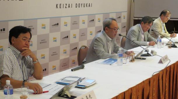 経済同友会の夏季セミナーでは、企業トップから安倍政権の財政運営に厳しい声が相次いだ=7月14日、長野県軽井沢町