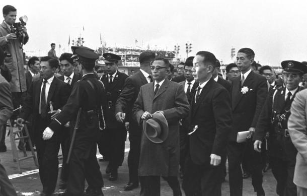 1961年11月11日、朴正煕(中央国家再建最高会議議長が来日した
