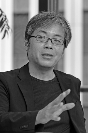 写真・図版 : 青木理さん・ジャーナリスト(吉永考宏撮影)