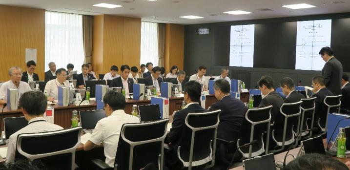 写真・図版 : 「大規模地震対策特別措置法」の仕組みの見直しを議論した中央防災会議の作業部会