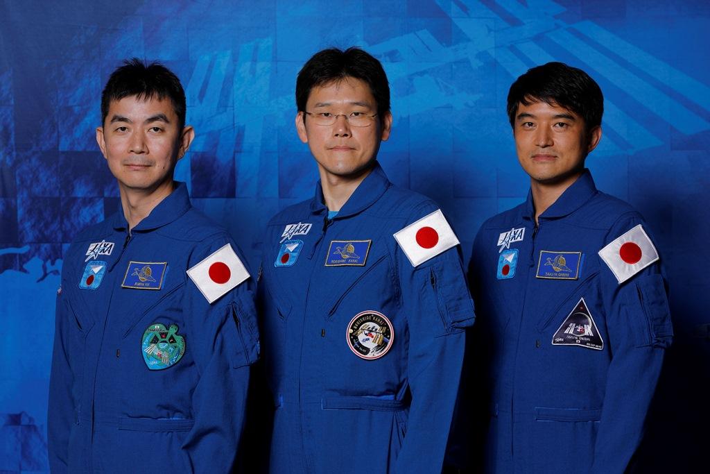 2009年に選抜された3人の飛行士
