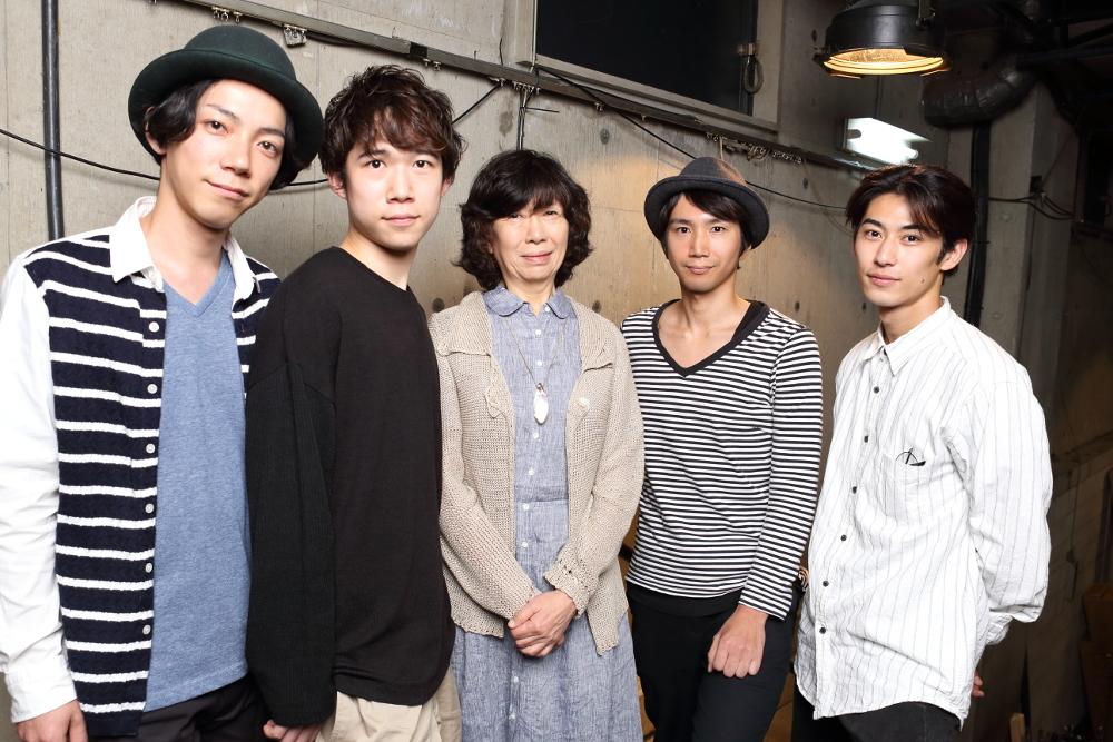写真・図版 : 左から、田中俊裕、千葉健玖、倉田淳、仲原裕之、久保優二=伊藤華織撮影