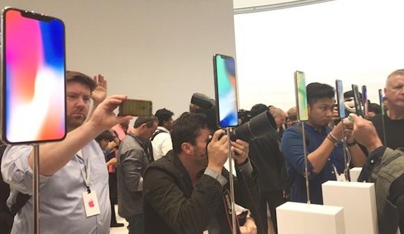 iPhone8は販売低調、Xはどうか
