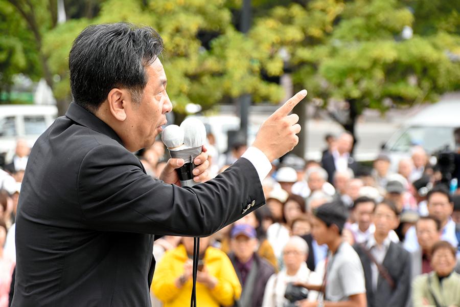 写真・図版 : 立憲民主党の枝野幸男代表=2017年10月、仙台市