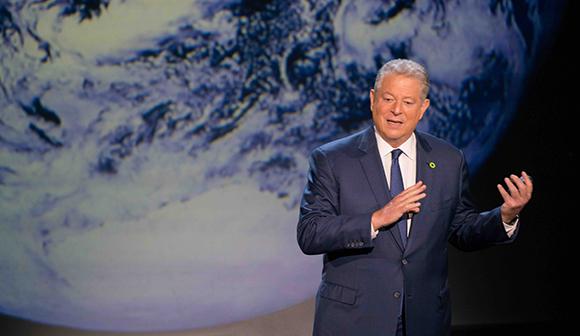 写真・図版:自信たっぷり、アル・ゴア元米副大統領