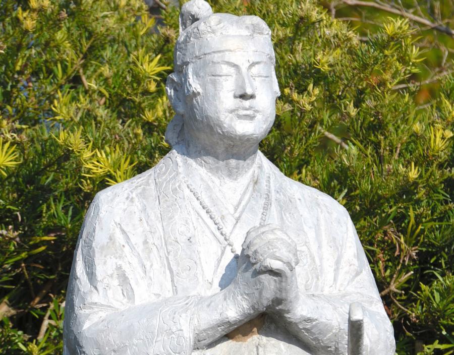 写真・図版 : 天草四郎像=長崎県南島原市