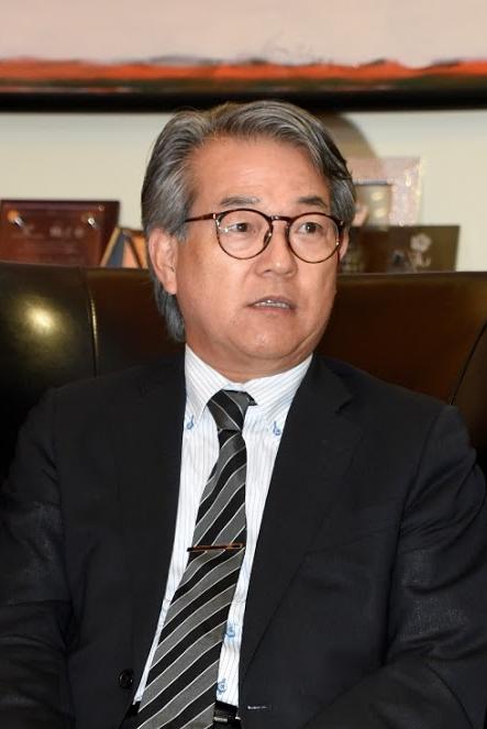 写真・図版 : 牧内博幸駐ドミニカ共和国日本大使