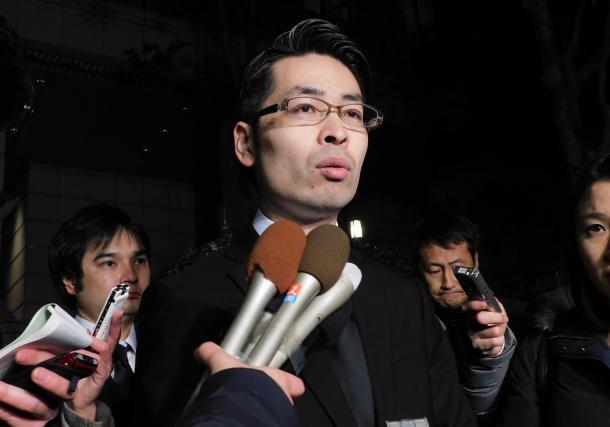 巨額流出について金融庁に報告後、記者団の取材に応じたコインチェックの大塚雄介取締役=1月28日、東京・霞が関