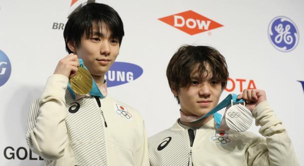 羽生結弦(左)と宇野昌磨