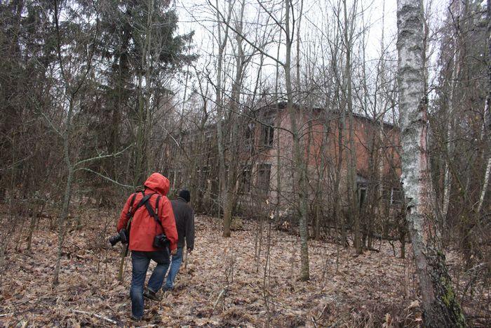 写真・図版 : 放射能で汚染され、無人となったウクライナのボロービチ村=2016年3月22日