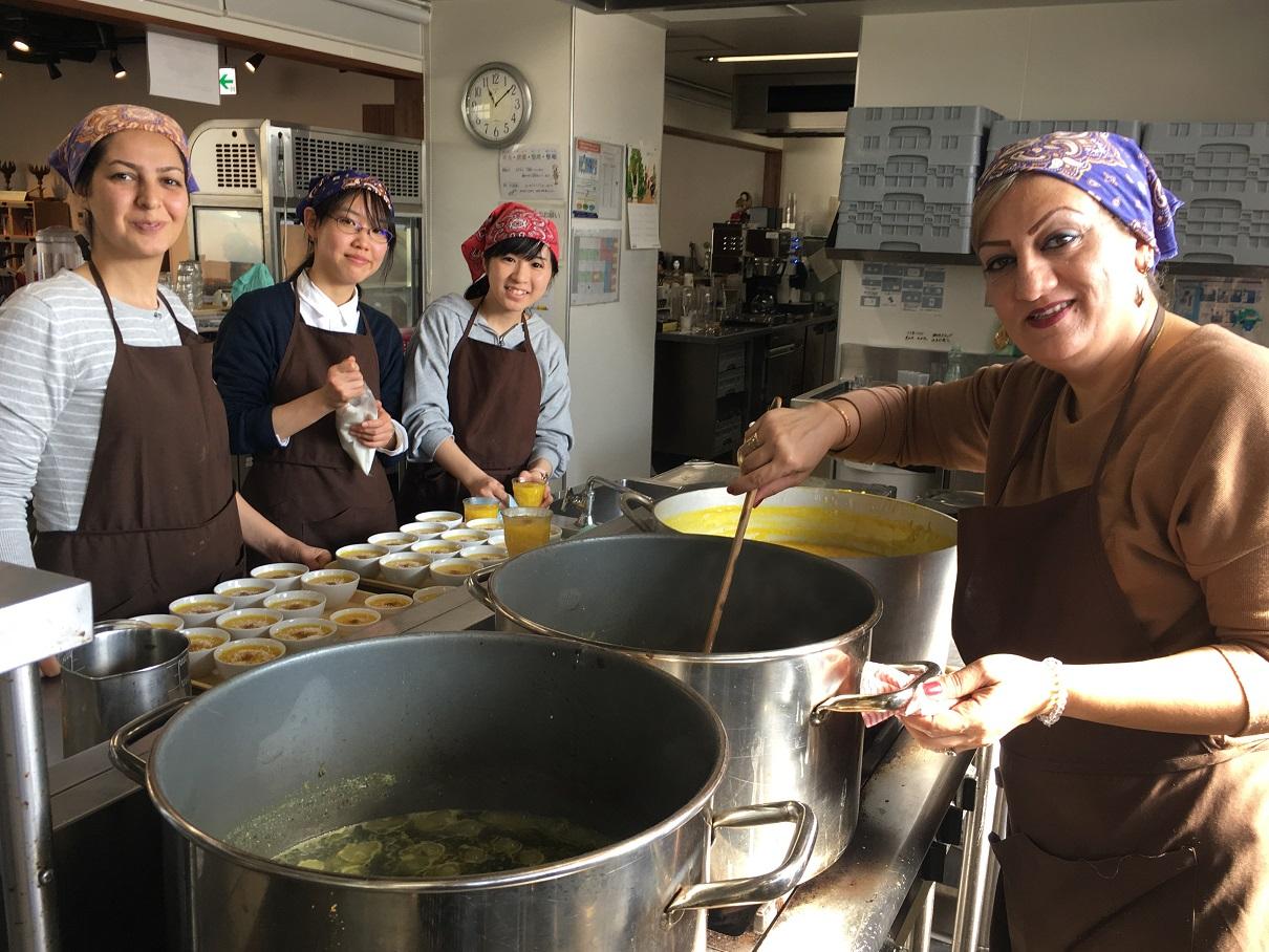 日本社会の成熟度を映す「在住外国人」(上)