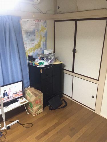写真・図版 : (写真2) 福田さん(仮名)が入居した部屋