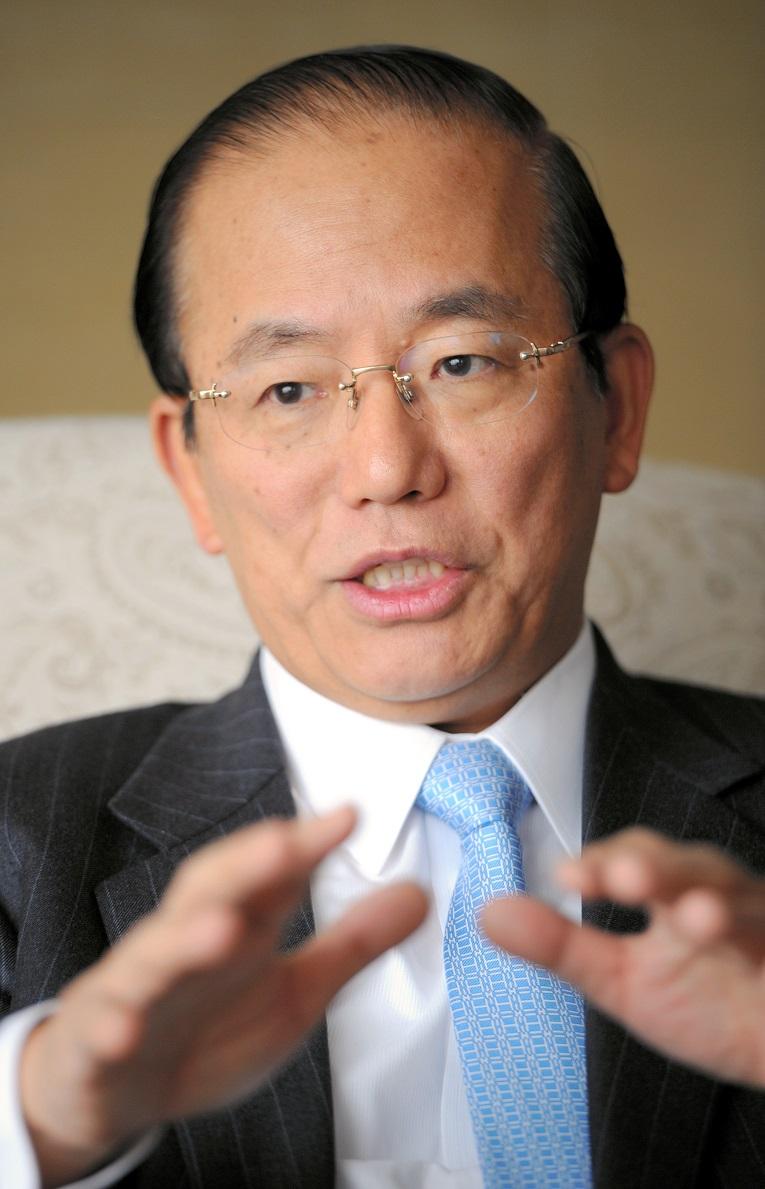 写真・図版 : 武藤敏郎さん。2000~03年に財務事務次官。退官後に日本銀行副総裁も務めた。現在は東京五輪・パラリンピック組織委員会の事務総長の重責を担う。大和総研名誉理事=2018年6月15日