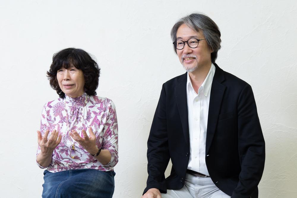 写真・図版 : 倉田淳(左)と藤原啓児=冨田実布撮影
