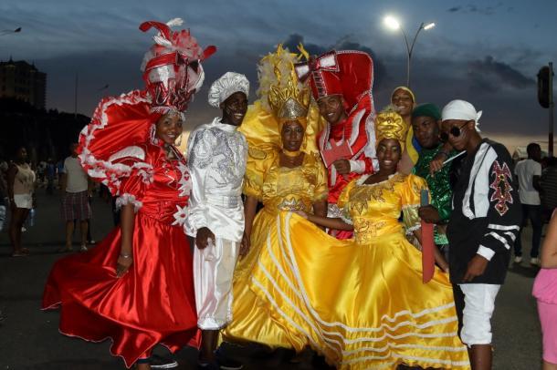 2017年のカルナバル。8月の中旬以降に行われるこの国のカルナバルでは直近のもの。この艶やかさが、「変わった後のキューバ」の象徴のようにも見えた。今年はどうなるのだろうか