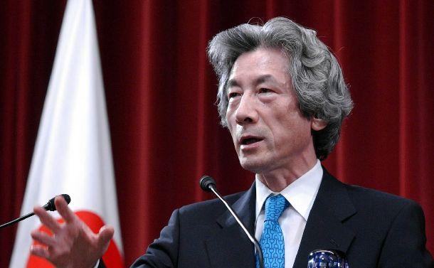 2005年の郵政解散で記者会見する小泉純一郎首相=2005年8月8日、首相官邸