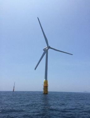 長崎県五島の浮体式洋上風力発電