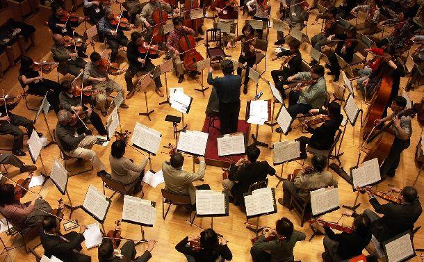 写真・図版 : マスターズオーケストラキャンプ 音楽監督:西脇義訓 講師:森悠子=2004年、第一生命ホール